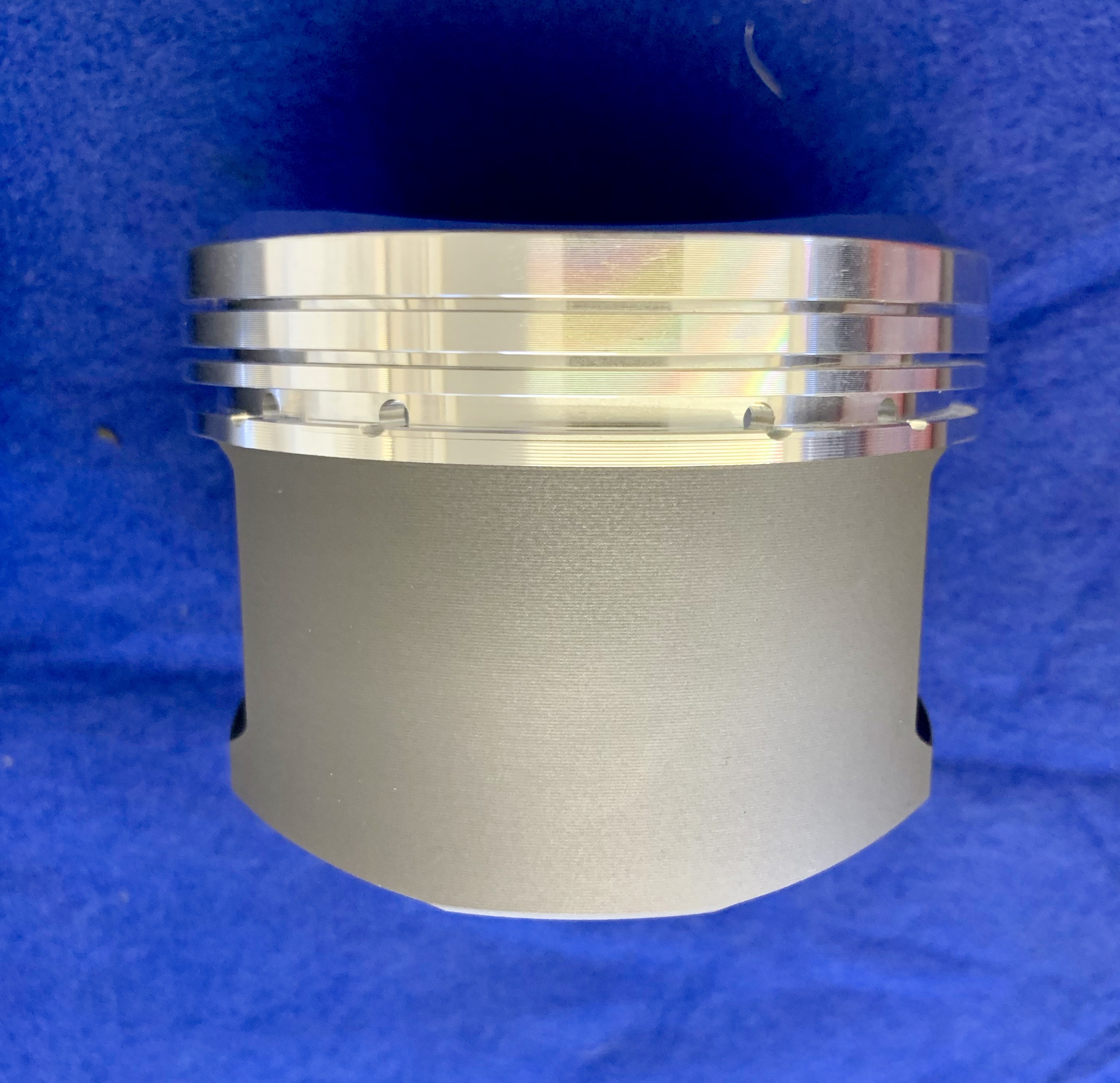 4.0L Pistons & rods - Click here to enlarge